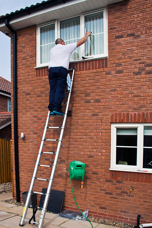 Traditional window cleaning image