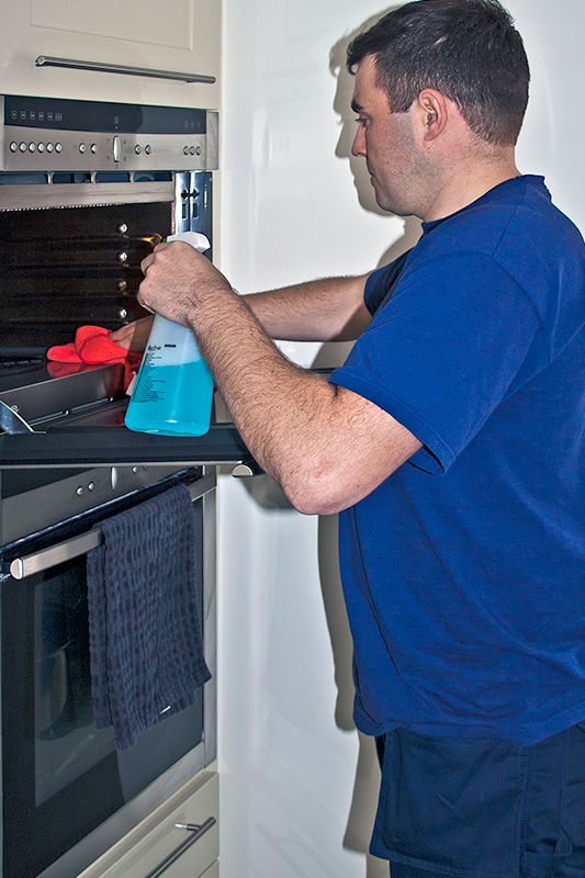 Oven cleaning image